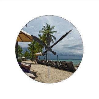 Relajación en Fiji Reloj Redondo Mediano