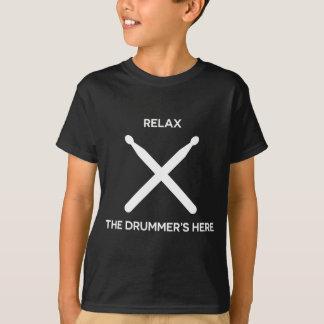 Relaje al batería está aquí camiseta de la música