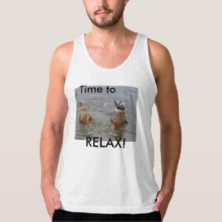 Relaje las camisetas sin mangas de los men´s