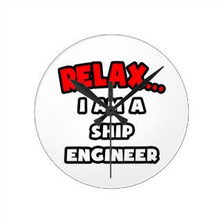 Relájeme… son un ingeniero de la nave reloj