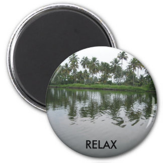 ¡Relájese en Kerala con los árboles del agua y de  Imán Redondo 5 Cm