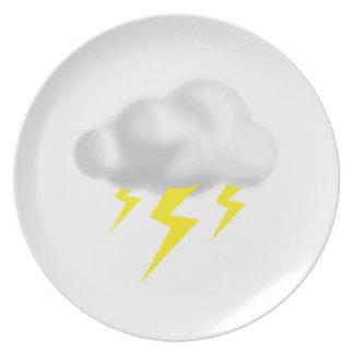 Relámpago en nube de la tempestad de truenos platos para fiestas