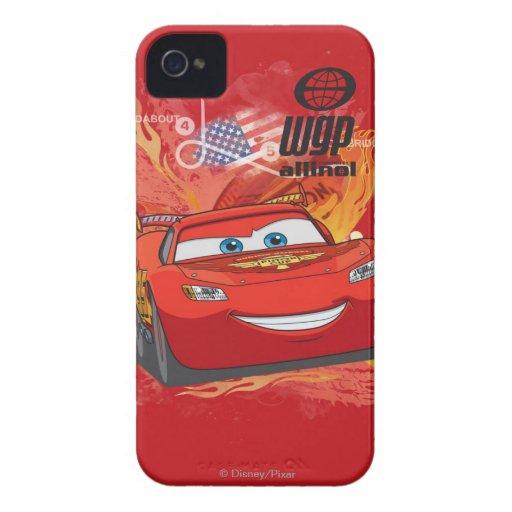 Relámpago McQueen - campeón de la taza del pistón iPhone 4 Case-Mate Coberturas