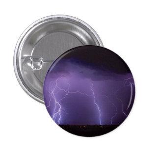 Relámpago púrpura en una tempestad de truenos del pin redondo 2,5 cm