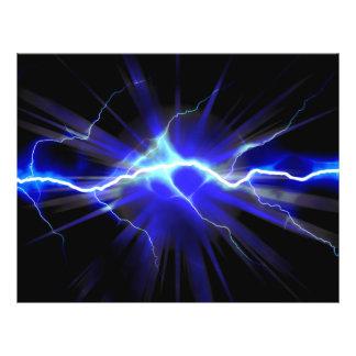 Relámpago que brilla intensamente azul o electrici tarjetas publicitarias