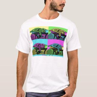Relax - Pop Art Cat T-Shirt