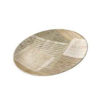 Relevo del manuscrito de la música de Beethoven Plato De Cerámica