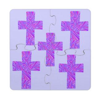 Religión cristiana cruzada púrpura de la fe del posavasos de puzzle