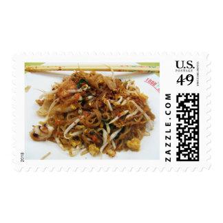 Rellene [ผัดไทย] la comida tailandesa de la calle estampillas