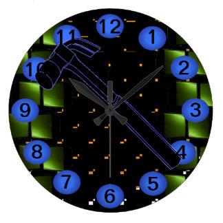 Reloj 12 del taller del edificio de la