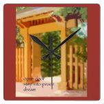 Reloj 14 - arte y Haiku originales - puerta abiert