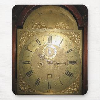 Reloj alto II del caso de Guillermo Tomlinson Alfombrilla De Ratón