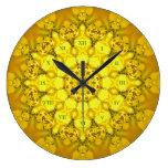 Reloj amarillo de la mandala del lirio