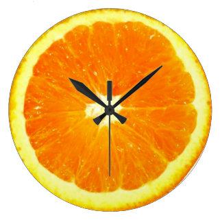 Reloj anaranjado de la fruta