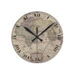 Reloj antiguo del mapa del mundo