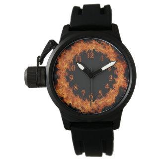 Reloj ardiente de las llamas del reloj del fuego
