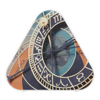 Reloj astrológico medieval antiguo Checo Altavoz