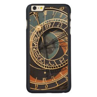 Reloj astrológico medieval antiguo Checo Funda De Arce Carved® Para iPhone 6 Plus Slim