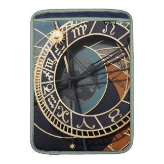 Reloj astrológico medieval antiguo Checo Fundas Macbook Air