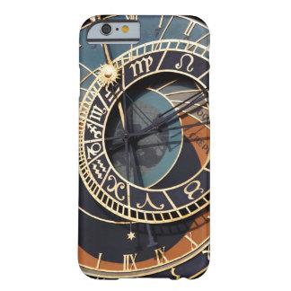 Reloj astrológico medieval antiguo Checo Funda Para iPhone 6 Barely There