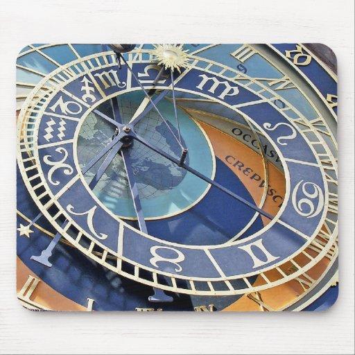 Reloj astronómico, ciudad vieja, Praga Alfombrillas De Ratón