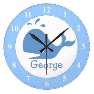 Reloj azul claro de la ballena con nombre de