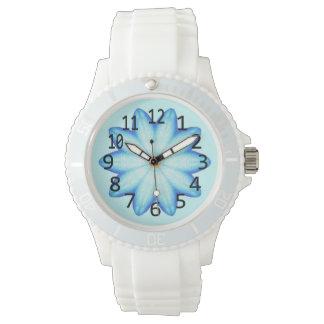 Reloj azul claro de los números de la flor de