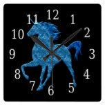 Reloj azul del unicornio del fuego