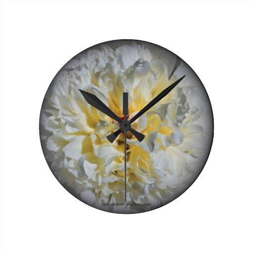 Reloj blanco de la flor del Peony