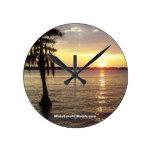 Reloj blanco de la puesta del sol del NC del lago