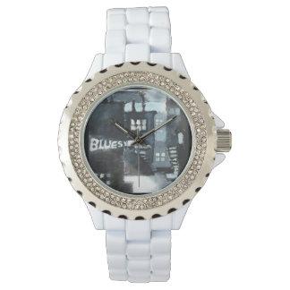 Reloj blanco del esmalte del diamante artificial