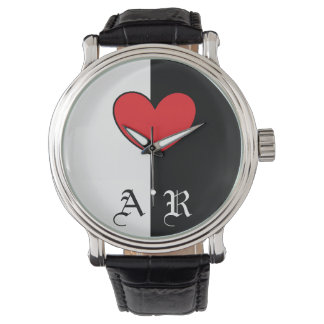 Reloj blanco negro del corazón con iniciales