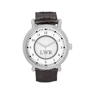 Reloj blanco y negro del monograma de los hombres