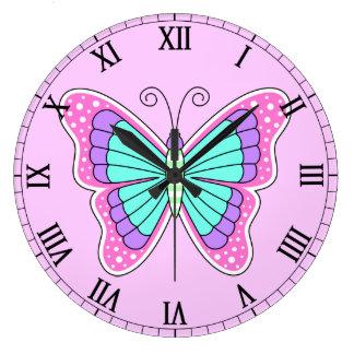 Reloj bonito de la mariposa del número romano