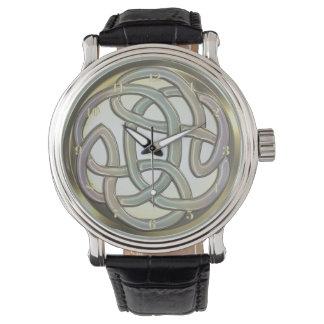 Reloj céltico del nudo del oro metálico ligero