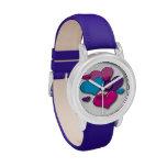 Reloj colorido de los corazones