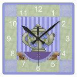 Reloj con monograma del cuadrado del edredón de la