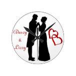 Reloj con Sr. y señora Darcy