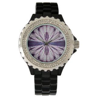 Reloj con un diseño digital del mosaico del