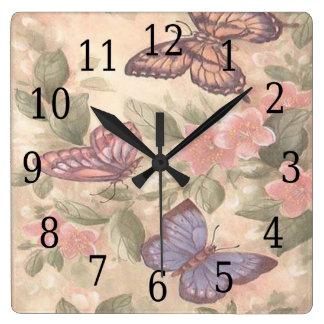 Reloj cuadrado de la mariposa
