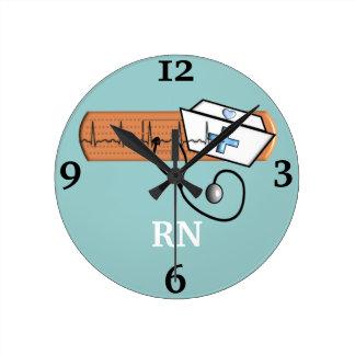 """Reloj de la enfermera registradoa """"RN"""""""