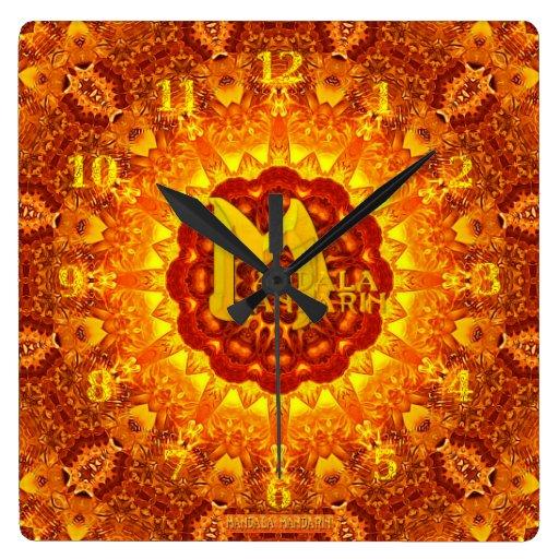 Reloj de la mandala del fuego con el logotipo del