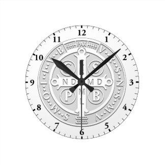 Reloj de la plata de la cruz de la medalla de San