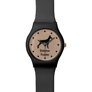 Reloj de la raza del perro del Pinscher del