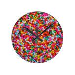 Reloj de la sobrecarga del color del caramelo del