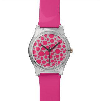 Reloj de las burbujas de las rosas fuertes