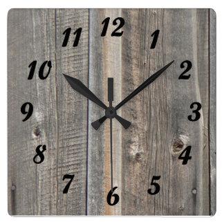 Reloj de madera de la mirada del granero