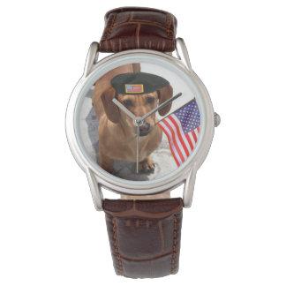 Reloj de moda patriótico del perro del perro de
