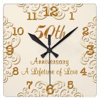 Reloj de oro del aniversario de boda del