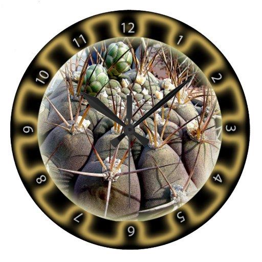 Reloj de oro del cactus